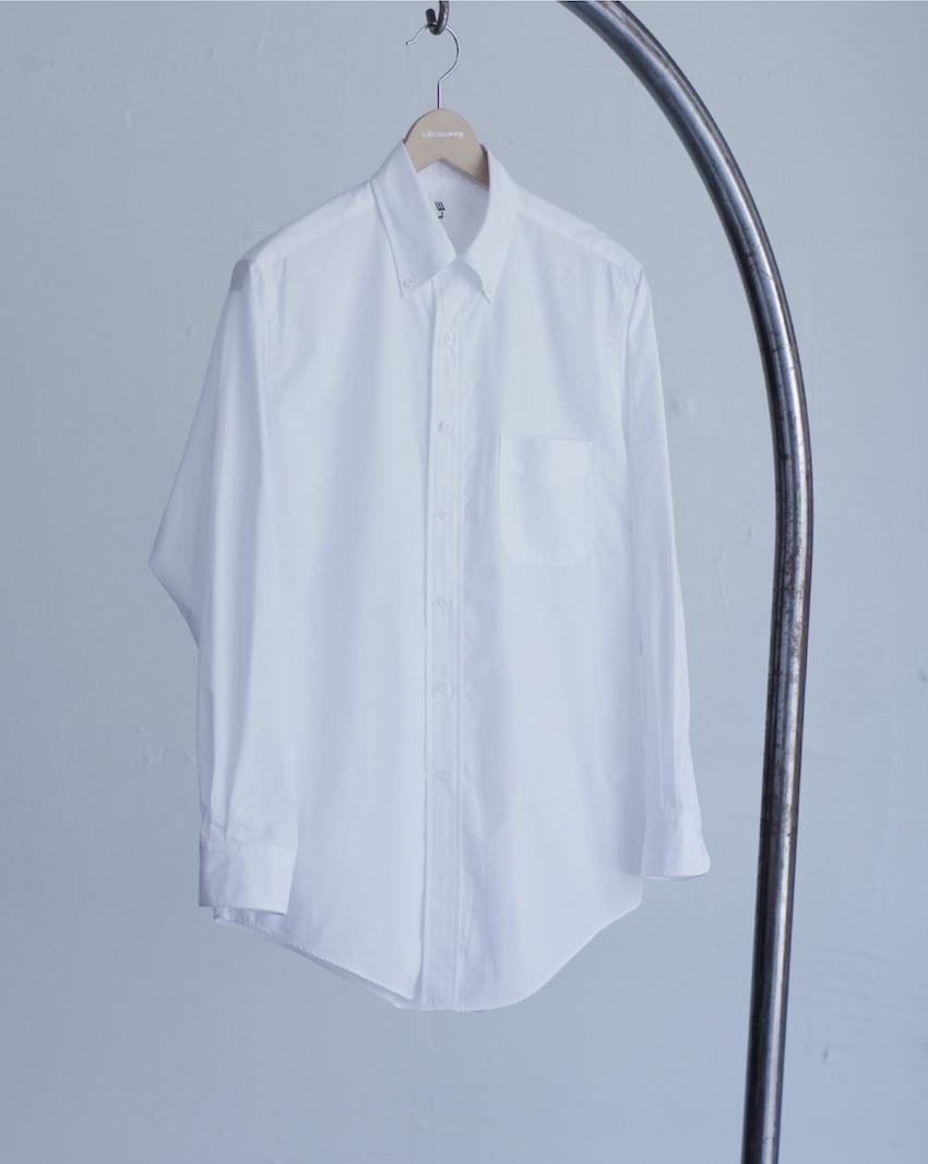 LEのシャツ